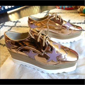 Shoes - NWOT Rose Gold Platform Star Sneakers Size 7